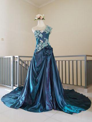 Evening dress / gaun pesta peacock