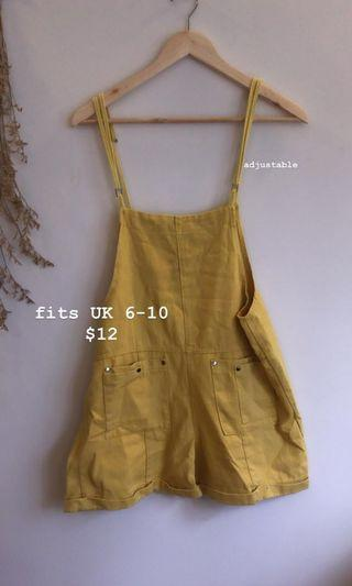 🚚 Yellow overalls