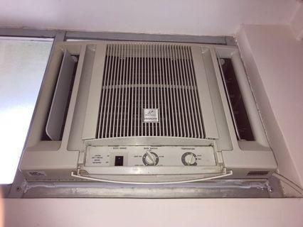窗口式冷氣機 air conditioner (日立 Hitachi)