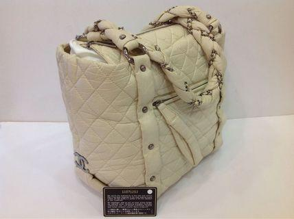 CHANEL WHITE LAMBSKIN TOTE BAG