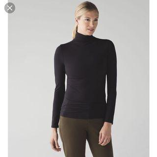 Lululemon layer me turtleneck size 2 brand new with tags