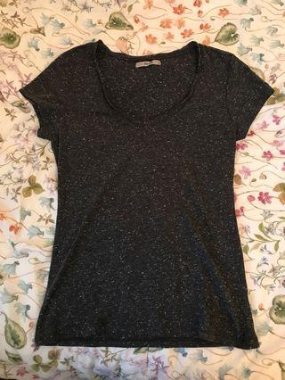 Bershka黑色T恤