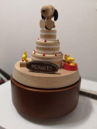 Wooden Musical Box - snoopy cake music box