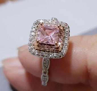 🚚 BN Romantic Pink CZ Solitaire Ladies Ring Square Design Double Halo