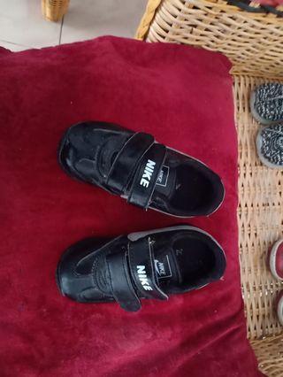 Sepatu nike no 25