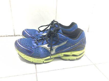 Mizuno 男裝Wave Inspire 8 跑鞋 US 7