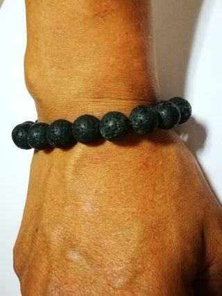 🚚 Volcano lava rock bracelet