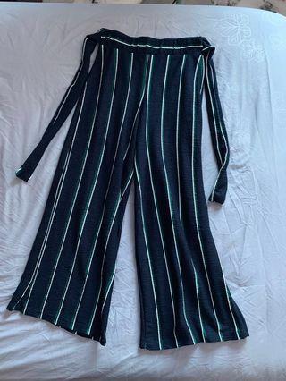 Womans H&m Black & White Patterned Shorts Size 8 Shorts