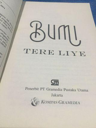 "Novel ""BUMI"" Tere Liye"