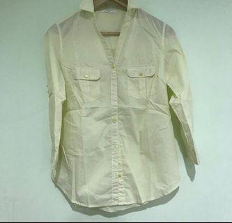 🉐️淡黃色直條紋襯衫