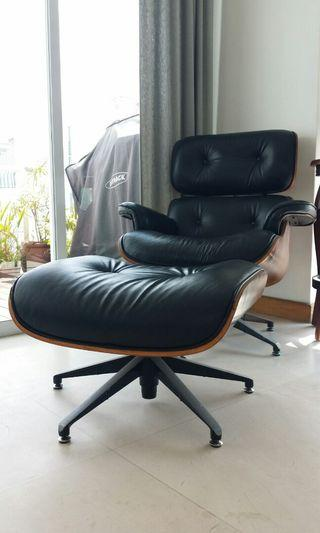 Herman miller famous  Lounge Chair selling at fraction of praction