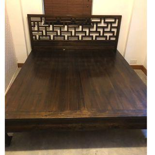 高級樟木床架高級樟木床架100% Camphorwood Bed Frame(不包床墊)