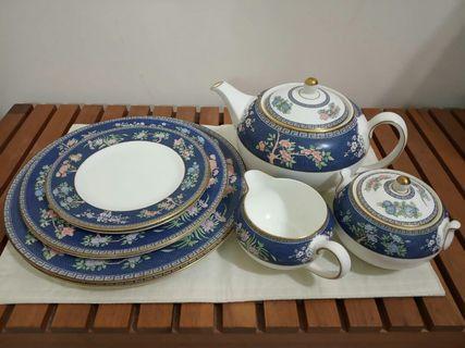 Wedgewood Blue Siam Teapot Set