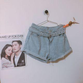韓國🇰🇷A字皮帶顯瘦淺藍色牛仔短褲