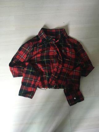 🚚 Red Flannel checked plaid crop top Uniqlo