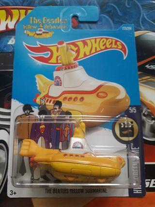Hot Wheels the Beatles Yellow Submarine MOSC