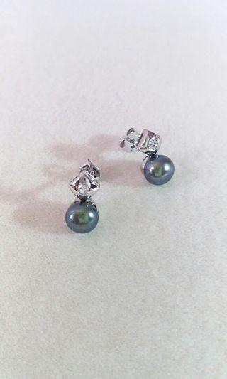 925 sterling silver earring with peacock color freshwater pearl