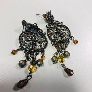 🚚 Dangling chandelier earrings