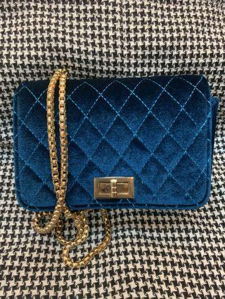 歐美風 藍絨菱格紋鍊包