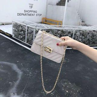 🚚 Cream sling bag