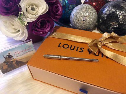 Louis Vuitton mini pen
