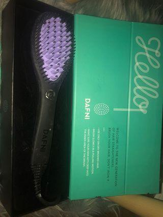 Dafni hairstyling brush