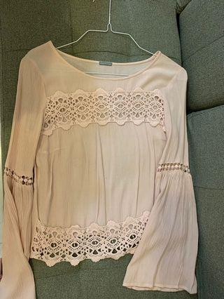 Charlotte Russe dirty nude pink top long sleeve flare lace cutout crop out tee shirt購自美國專門店粉紅留空蕾絲上衣長袖衫燈籠袖泡泡袖