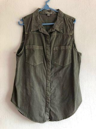 🚚 Cotton on Sleeveless double breasted khaki green top with collar