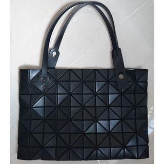 🚚 Issey Miyake Baobao Rock Matte Black Handbag Authentic