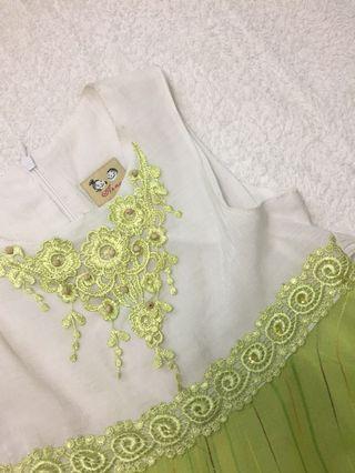 Lacy green dress