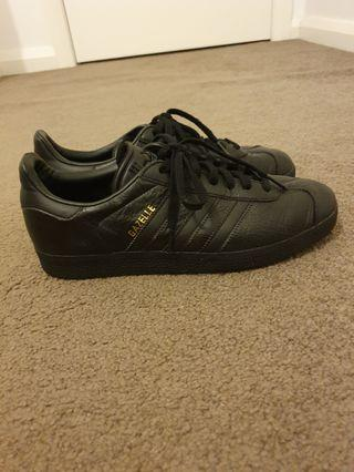 Adidas Originals Gazelle sneakers in black leather - US 8