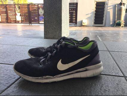 Black Nike Free Run Tr Fit