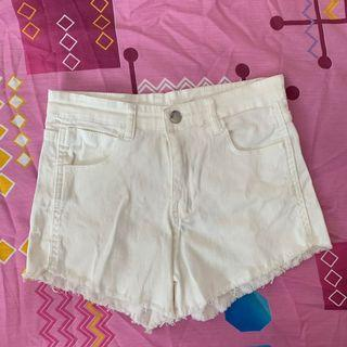 🚚 white ripped frayed high waisted shorts