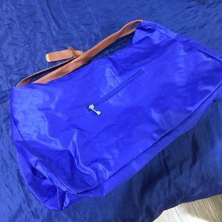 🚚 藍色尼龍手提旅行包
