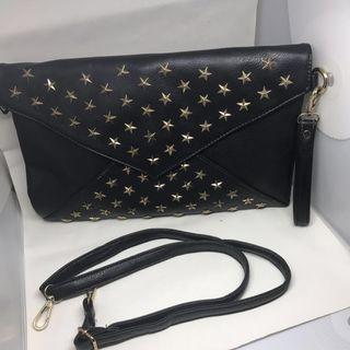 🚚 黑色星星鉚釘手拿包