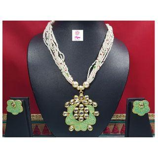 NCK19-47 Short Necklace and Earrings with Kundan work and pearls - Exclusive Imitation Jewellery & Fashion Accessories
