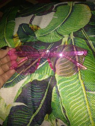 Kacamata fashion pink