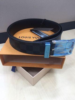 11a29e4f9d9d Louis Vuitton LV belt men Pont Neuf