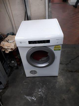 Electrolux 7kg dryer  now warranty 2 months