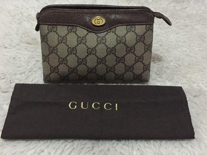 Authentic Gucci GG Supreme Pouch