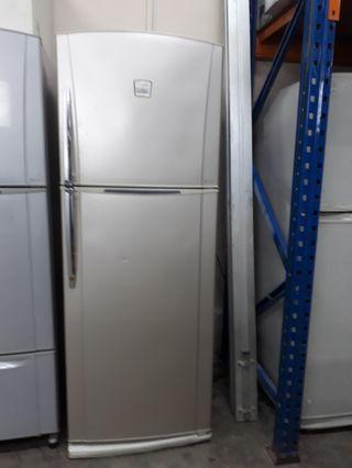 Toshiba 2 door Refrigerator / frigde warranty 1 months