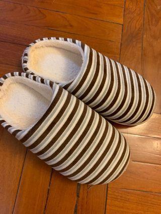 毛毛拖鞋 flurry slippers