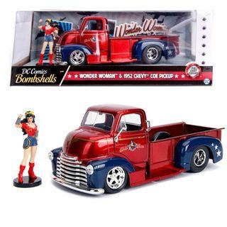 DC Comics Bombshells - Wonder Woman & 1952 Chevy Coe Pickup