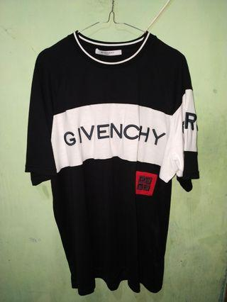Givenchy Paris 4G Embroidered T-Shirt