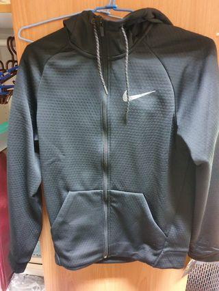 Nike 科技棉外套 黑色