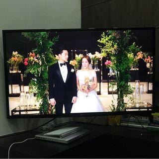 """LG 43"""" 4K LED Smart TV - 43UH610T"""