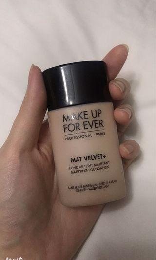 Make Up For Ever Mat Velvet + 30 Foundation