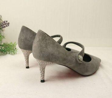 Suede Heels ( Size 35 to 39)