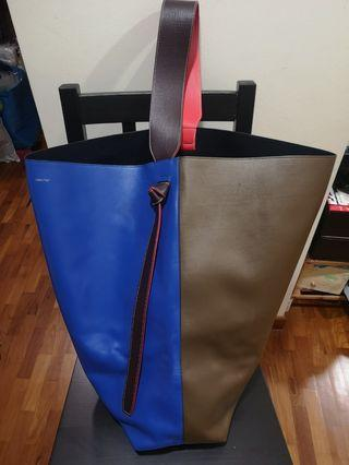 [REDUCED!] Authentic Celine Twisted Cabas Bag (Oversized)
