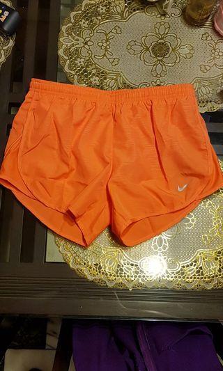 Nike 運動短褲 S
